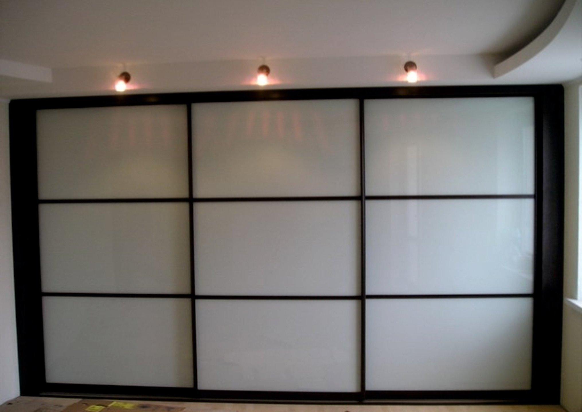 Остекление террасы в деревянном доме фото или